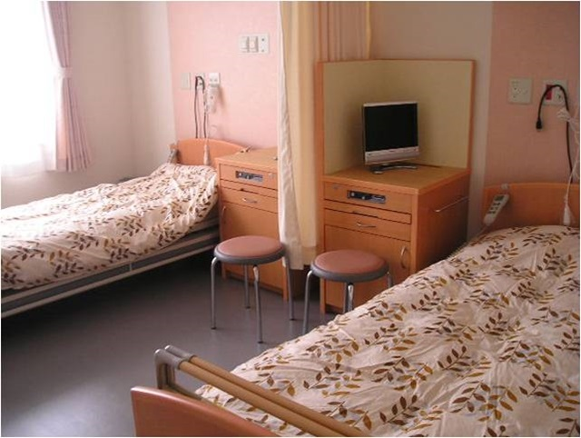 4床室[無料]/2床室 [4,320円]